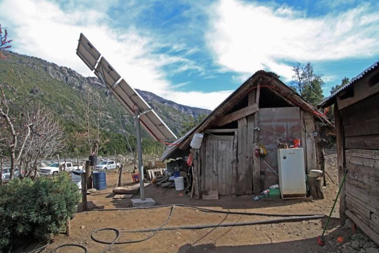 """Vecinos de la zona de """"Melado"""" cuentan con nuevos paneles solares"""