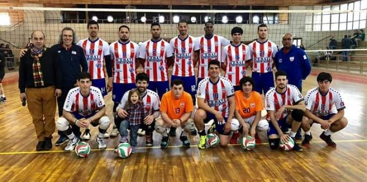 """Linares vuelve a la """"pelea"""" y los rayados ganan en el vóleibol"""