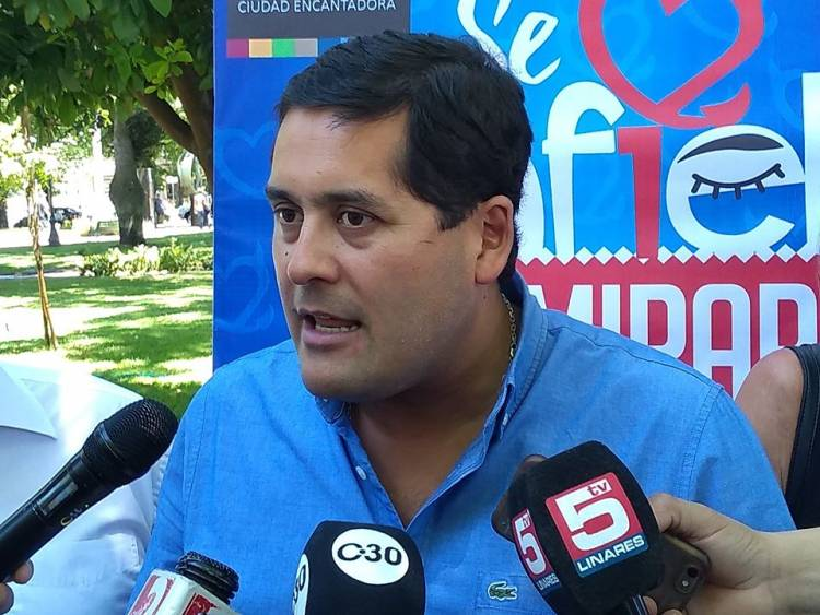 """Alcalde Meza: """"Nuestra decisión es que Bomberos de Linares administre el sistema de parquímetros"""""""