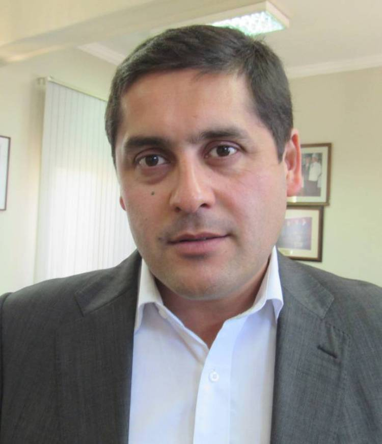 El incierto futuro de Mario Meza: postulante a gobernador regional o candidato a la reelección por Linares