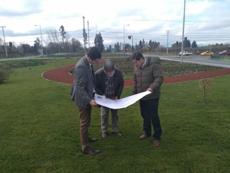 Millonarias obras en paisajismo y deporte en Linares