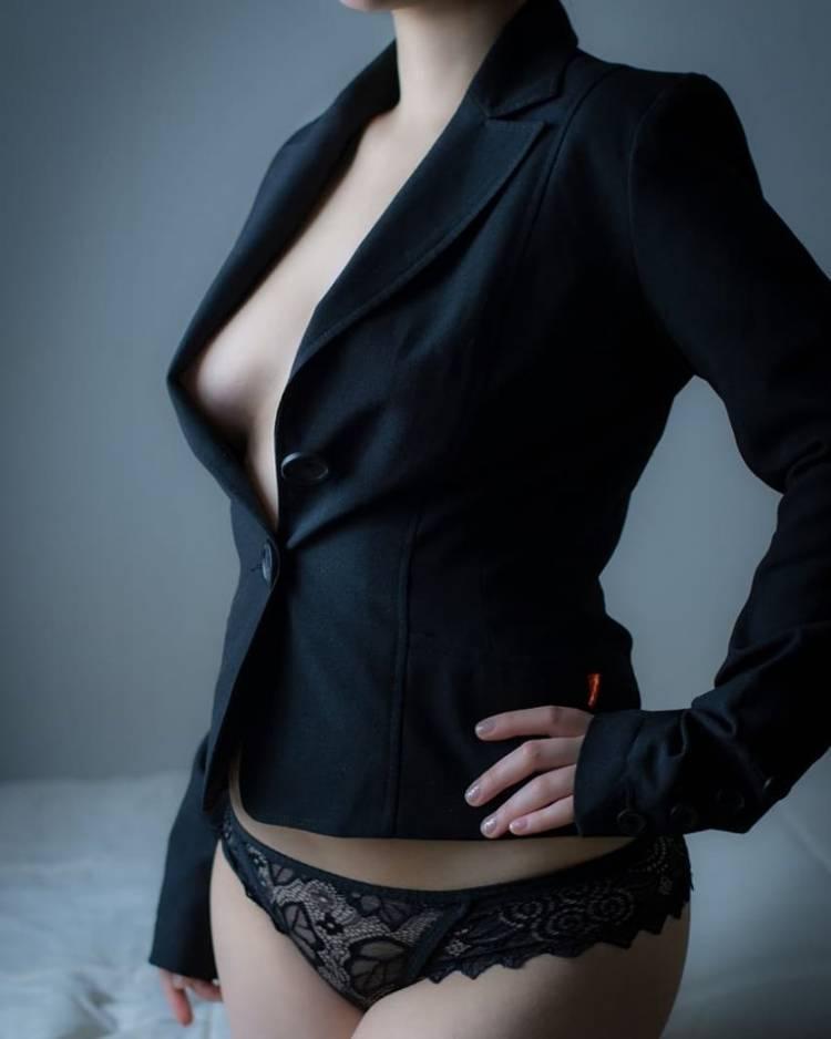 """El boom de la """"escort"""" en Linares"""