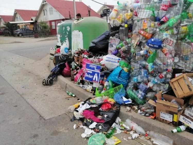 """Vecinos denuncian microbasural en punto de reciclaje de Villa """"Frontera del Inca"""""""
