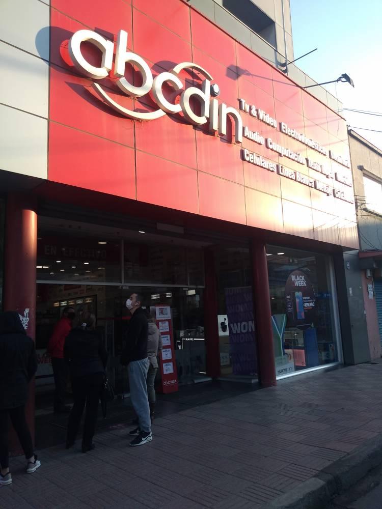 En la Región del Valparaíso fue detenido delincuente que robó 12 millones de pesos desde la tienda ABC DIN de Linares
