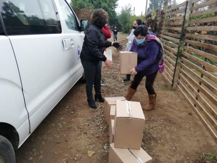 En Colbún han entregado más de mil cajas de alimento