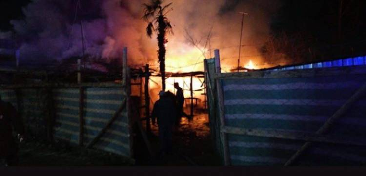 Incendio deja 10 personas damnificadas en Linares