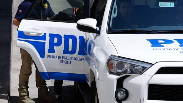 PDI de Linares detiene a sujeto por agredir a mujer de 20 años de edad en contexto de violencia intrafamiliar