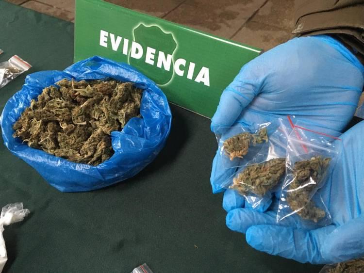 OS7 de Carabineros detiene a sujeto por microtráfico de drogas en el centro de Linares