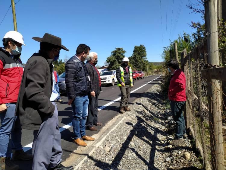 """MOP avanza en etapa final de la pavimentación del camino a """"Los Rabones"""" en Colbún"""