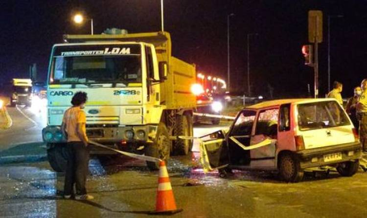Joven de 18 años muere tras violento accidente en Circunvalación Norte de Linares con camino a Yerbas Buenas