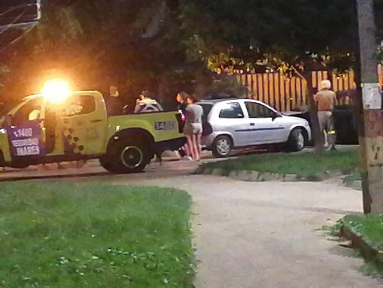 Carreras clandestinas y choque de camioneta de Seguridad Pública Municipal con camión militar marcaron la jornada de anoche en Linares