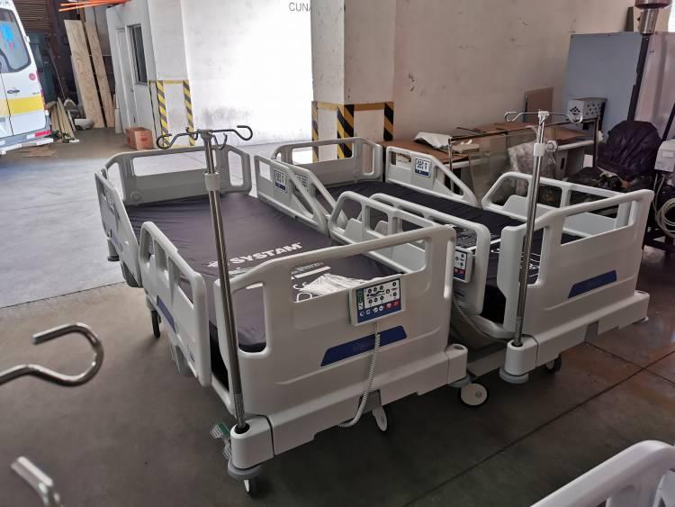 Hospital de Linares recibe nuevo equipamiento UCI para enfrentar la pandemia