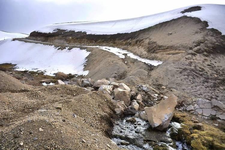 Denuncian destrucción de petroglifos en la zona de Laguna del Maule